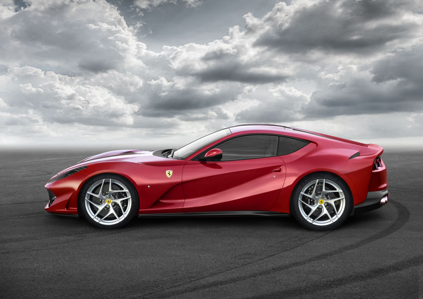 ferrari-812-monza-teased-expected-with-250-testa-rossa-style-pontoon-fenders_3