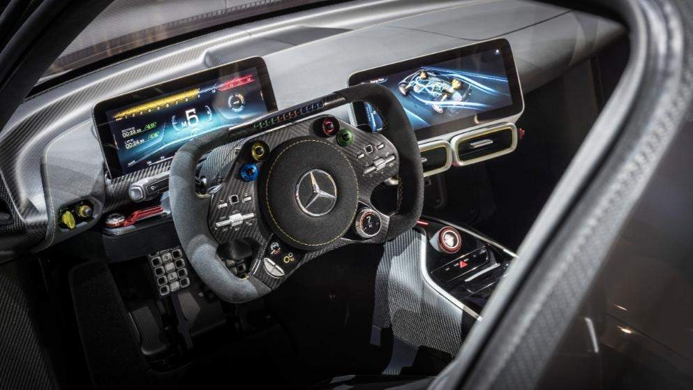 leak-mercedes-amg-project-one-grins-for-the-camera-in-frankfurt_5