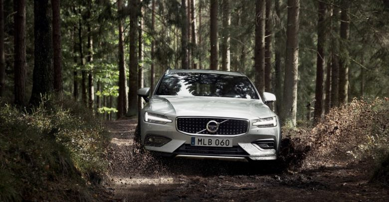 238217_New_Volvo_V60_Cross_Country_exterior-e1537948027619-780x405